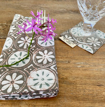 Chantik Daisy Table Napkin and Drink Coaster Set