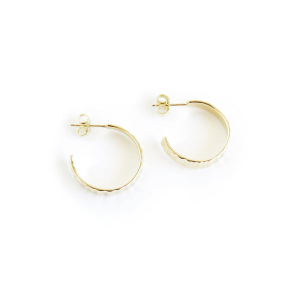 Limpet Hoop Earring in Yellow Gold