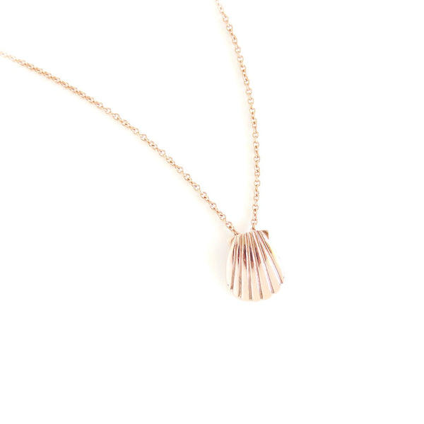 The Shell Pendant in Rose Gold