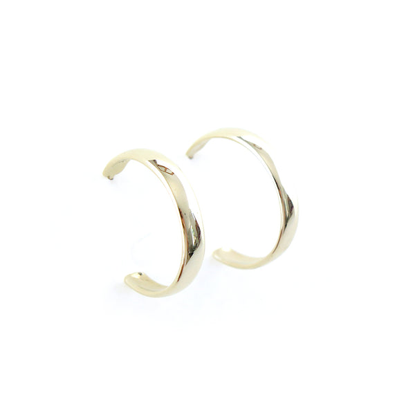 Medium Hoop Earrings in Yellow Gold