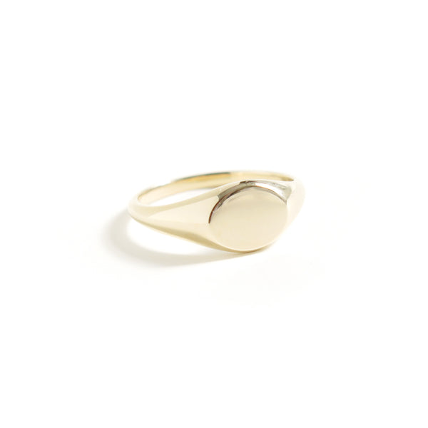 Signet Ring in Yellow Gold