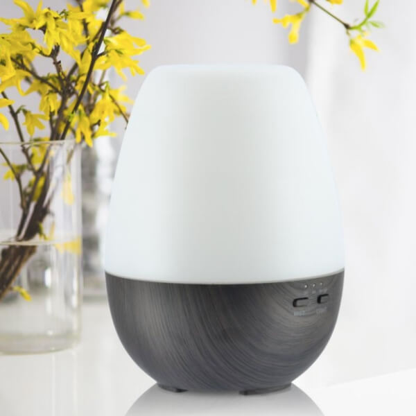 ultrasonic essential oil diffuser / humidifier.  long run time auto shut off