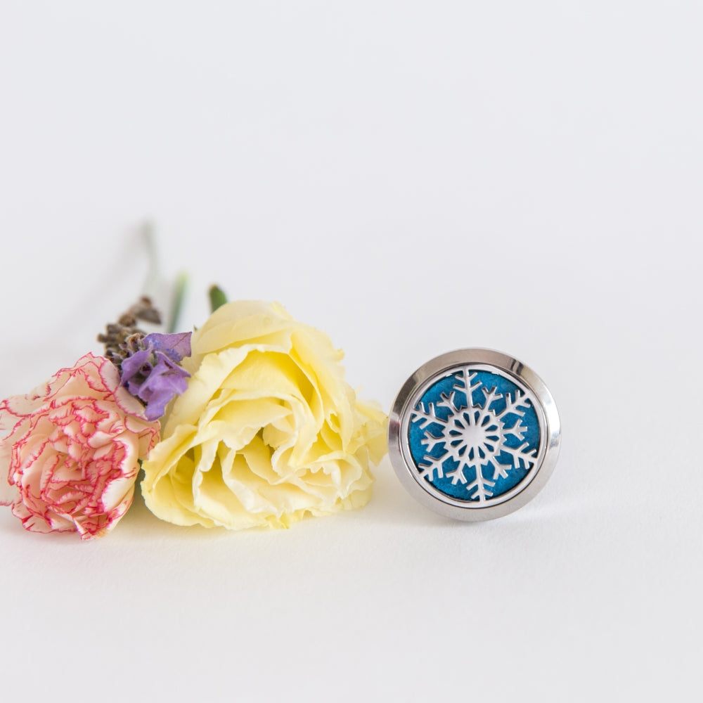 Snowflake Aromatherapy/Essential Oil Diffuser car locket