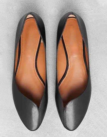 Curvy Cut-Out Formal Flats