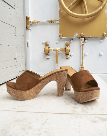 Brisk Brown Wedge Heels