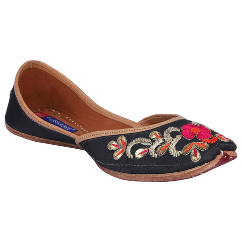 MSC Women Embroidered Genuine Leather Juttis