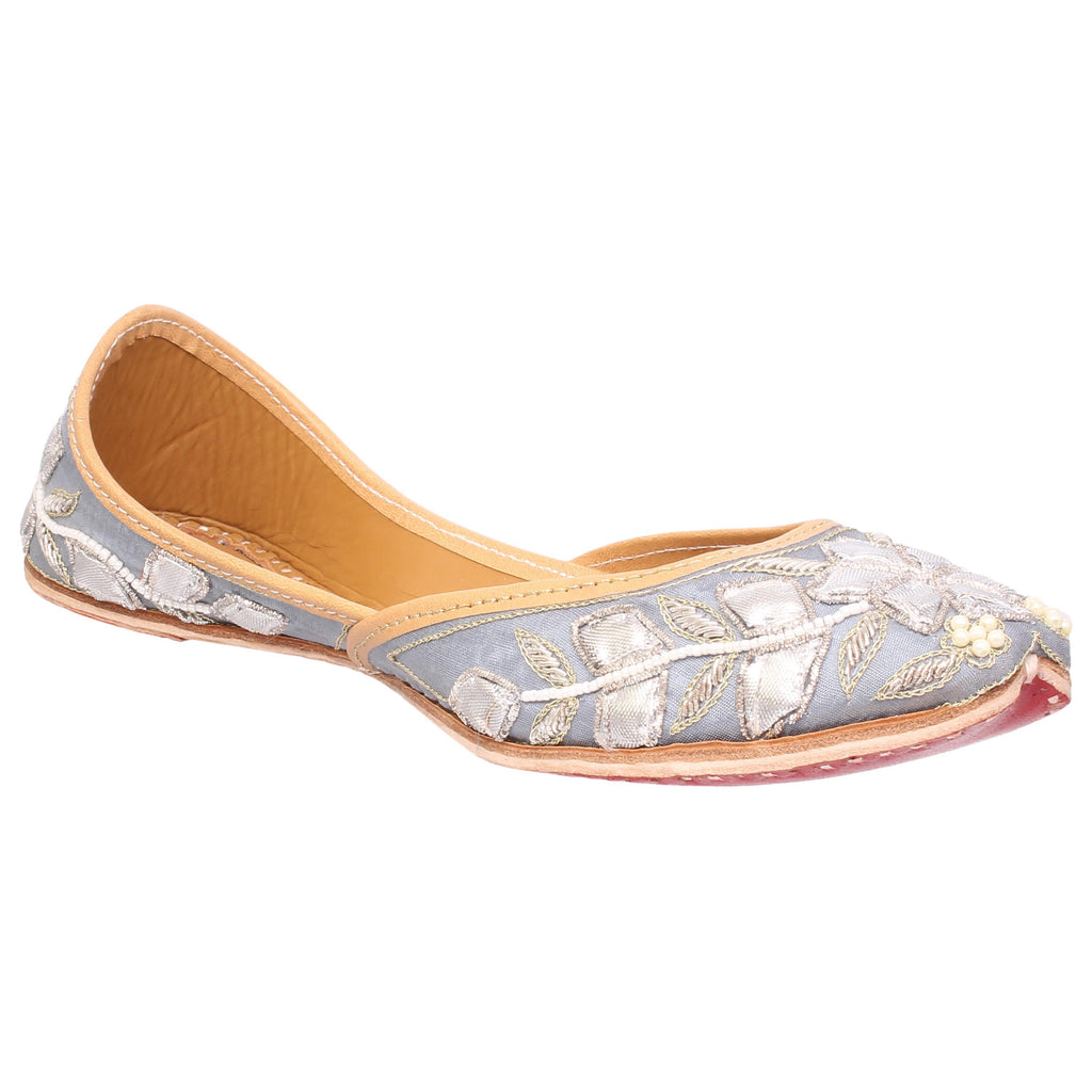 MSC Leather Stylish Fancy Grey Flat Juttis For Women
