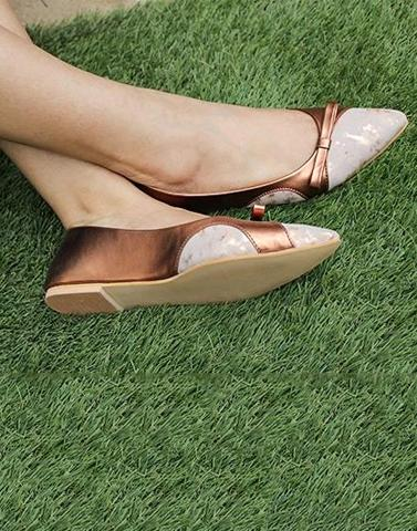 Glimmering Copper Bow Flats