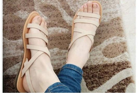 White Multistrap Flat