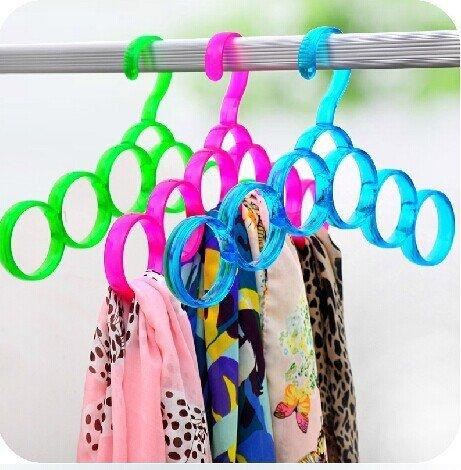 Eitheo Single Line 5 Ring Dupatta Hanger