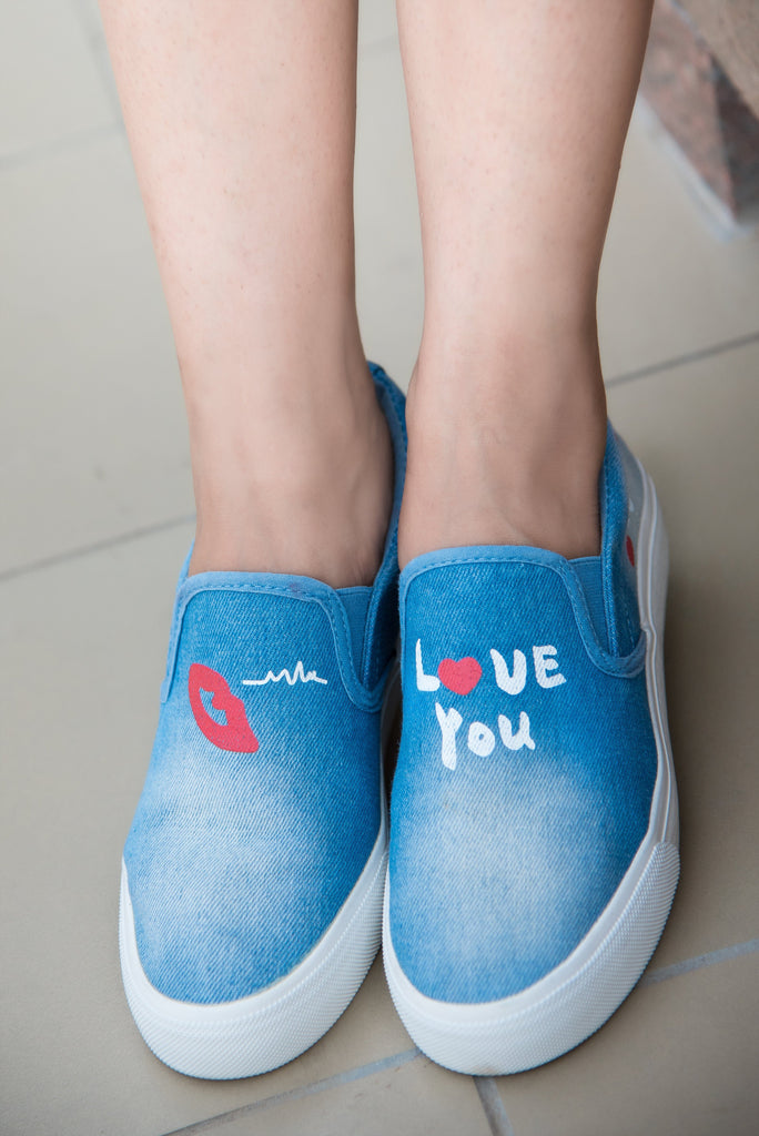 Red Lips On Blue Classy Sneakers