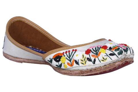 MSC Leather Stylish Fancy White Flat Juttis For Women