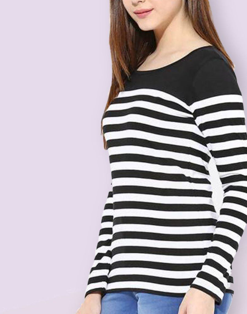Black And White Stripe T-shirt With Black Yoge