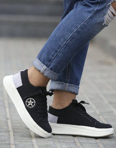 Well Laced Graceful Black Sneakers
