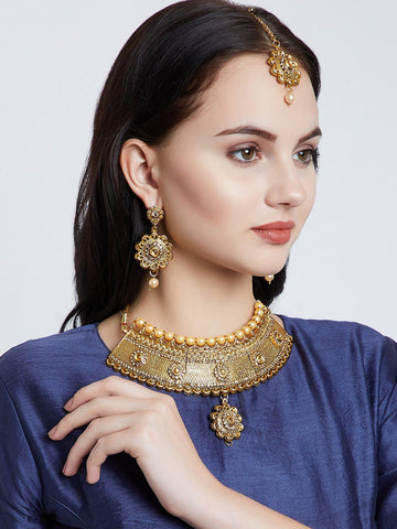 Traditional Golden Jewellery Set
