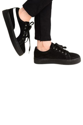 Must Have Black Sneaker