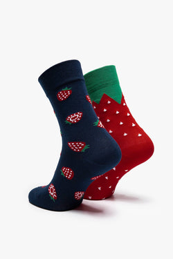 #00061  Many Mornings Socken Strawberries