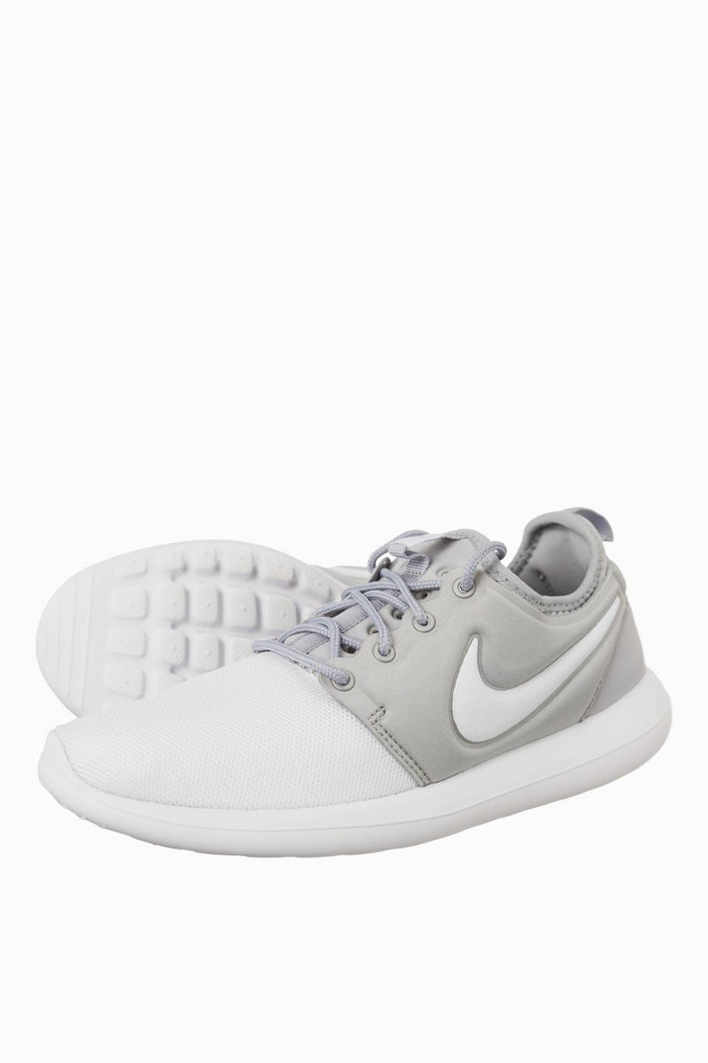#00031  Nike Sneakers Roshe Two GS 100