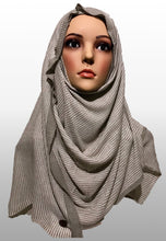 Knitted instant soft grey white LIN002