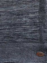 Knitted semi-instant blue grey lines