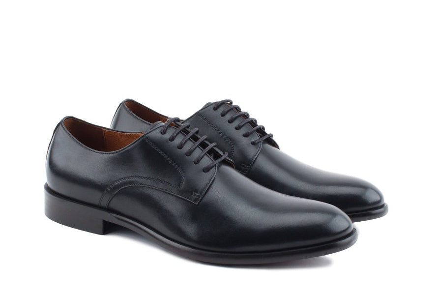 Blake McKay Nolan Plain Toe Derby in Black Side View Pair