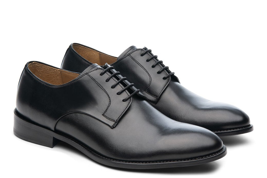 Blake McKay Alessandro Derby Shoe in Black Side View Pair