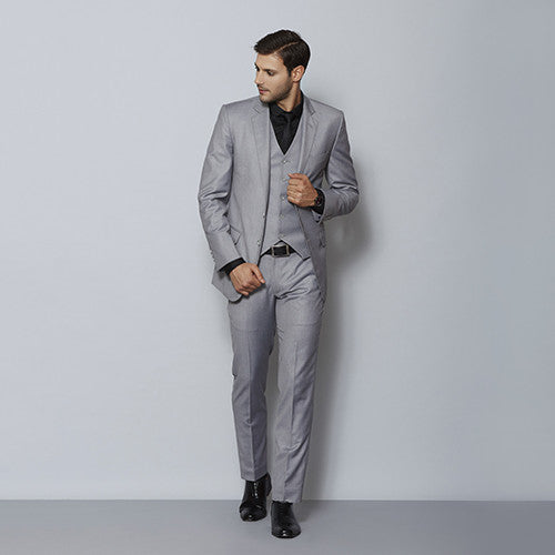 Made to measure suits for men online, HugoSara