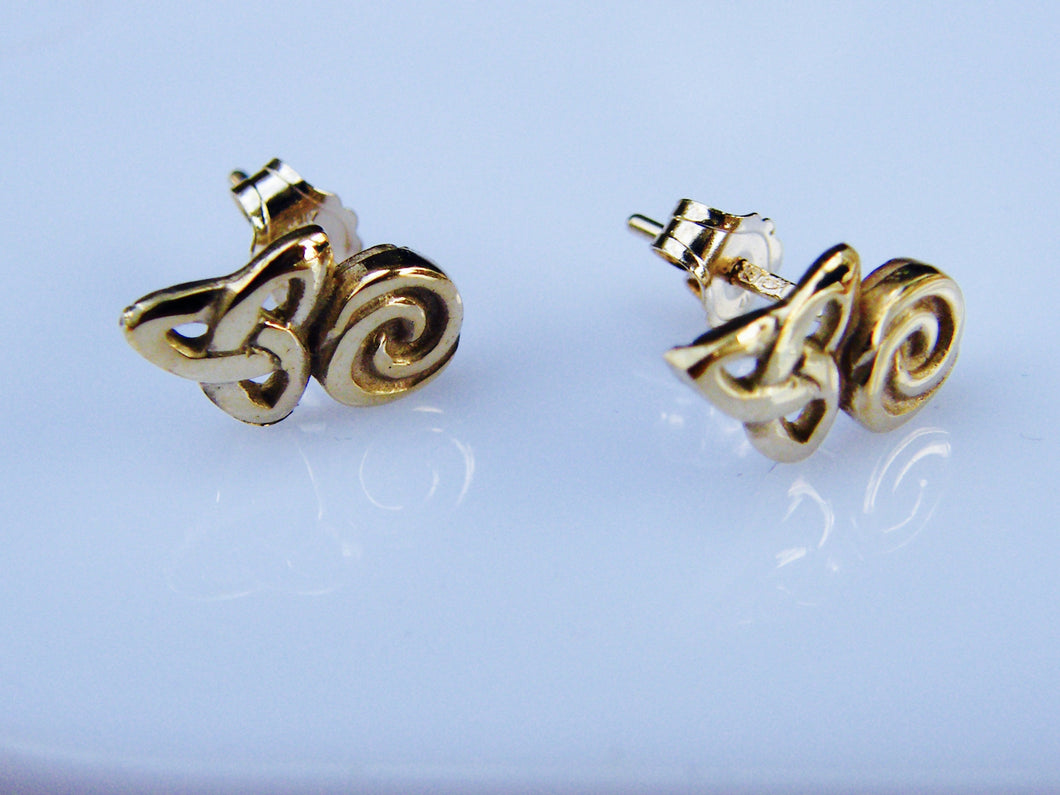 9ct Gold Celtic Earring - agiftireland