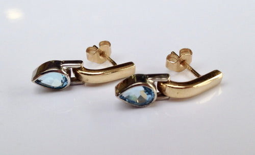 9ct  Gold Blue Topaz Earrings - agiftireland