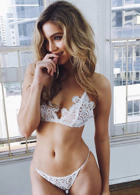 Sexy Lace Hollow-Out Bra Lingerie Set - girlyrose.com