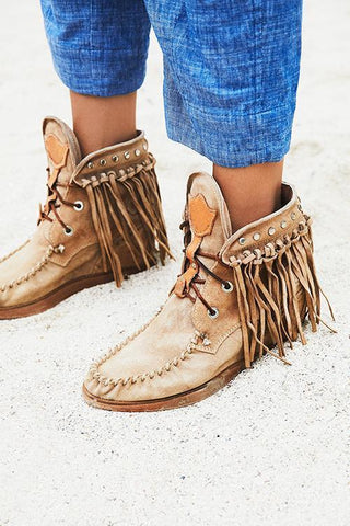 Tassels Rivets Faux suede boots - girlyrose.com