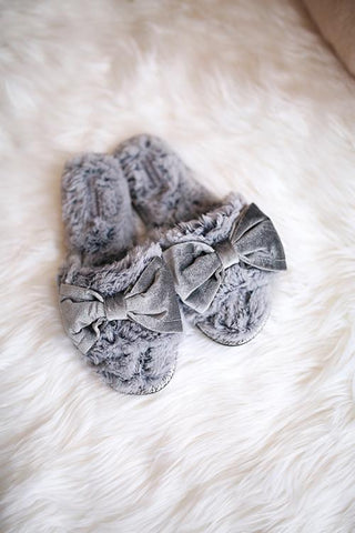 Bow Fuzzy Slipper - girlyrose.com