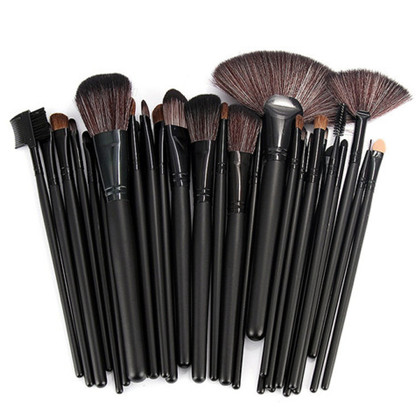 32 Piece Makeup Brush Set with Case in BLACK - girlyrose.com