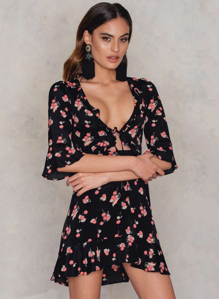 V Neck High Wiast Cherry Printed Romper