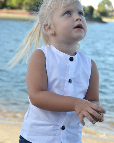Sparrow unisex top in white linen