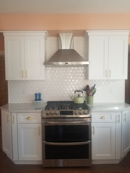 Fashion White Cabinets
