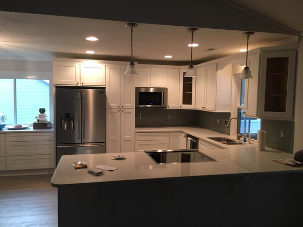 Island Vs Peninsula Which Kitchen Layout Will Work With My Kitchen De Rta Wood Cabinets