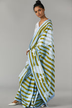 Load image into Gallery viewer, Striped Floral Saree