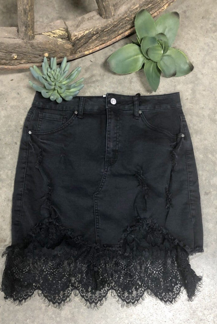 LICORICE LACE SKIRT
