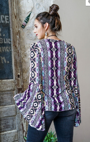 PARTY CROWD BELL SLEEVE TOP