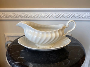 Johnson Brothers Made in England White Swirl Gravy Boat with Bowl