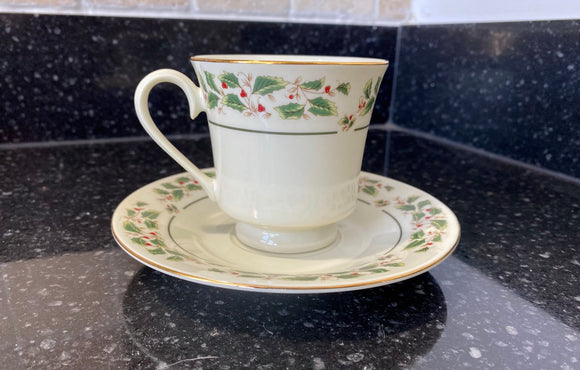 Holly Traditions by Cambridge Potteries Coffee Cup and Saucer - Nature Land Candles