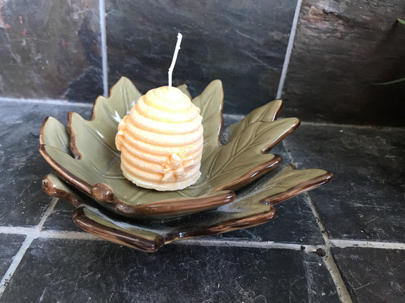 Honeysuckle Scented Palm Wax Beehive Candle in a Bed of Ceramic Brown Leafs - Nature Land Candles