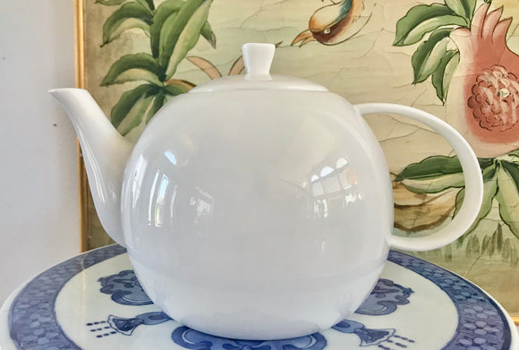 Rhubarb Designed in Australia White Bone China 5 Cup Teapot