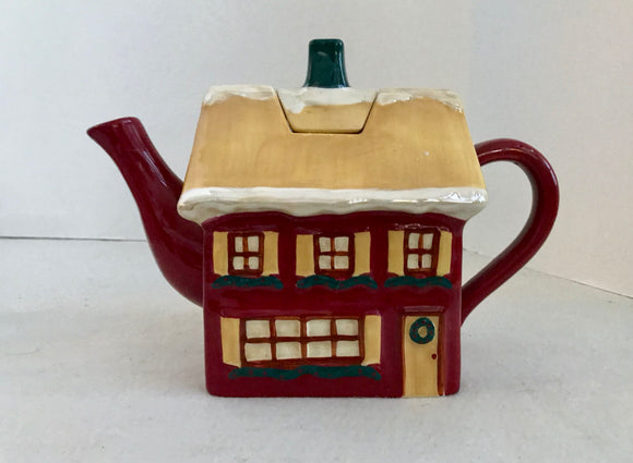 Russ Designed by Bonnie Lynn Red Holiday Manor House 5 Cup Teapot - Nature Land Candles