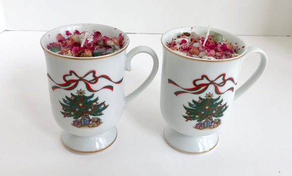 Set of 2 Lavender Scented Soy Wax Candles in Festive Christmas Tree Coffee Mugs - Nature Land Candles