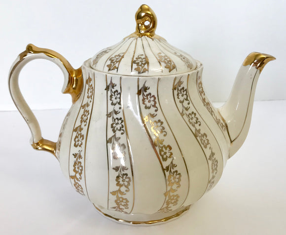Vintage Sadler Cream and Gold 6960 Floral 4 Cup Teapot - Nature Land Candles