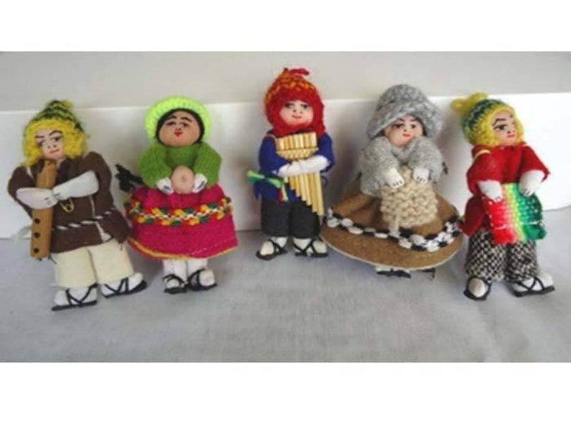 Handmade Peruvian People Figurines (PEO110)