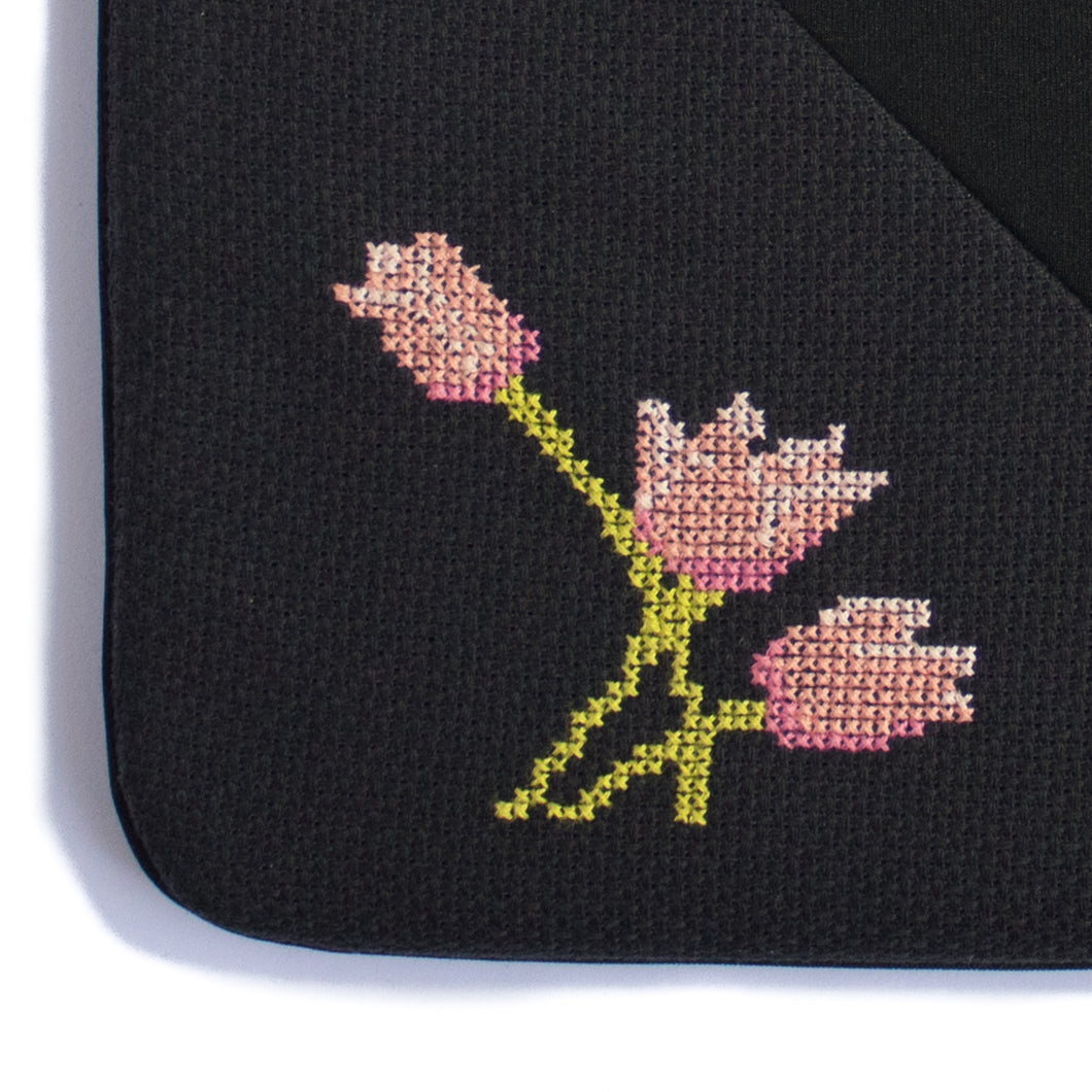 Funda artesanal para MacBook Pro/Air de 13 pulgadas - Tulipanes Rosas