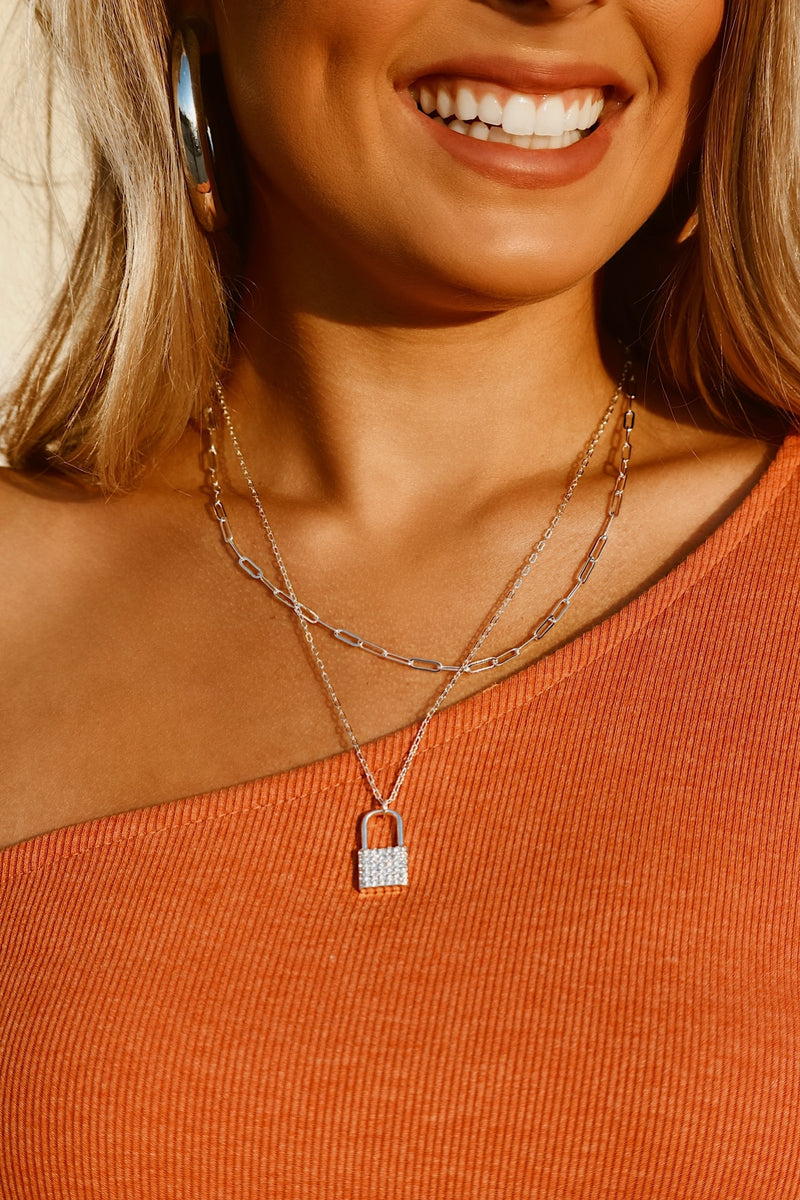 Shinning Moments Locket Layered Necklace - Silver